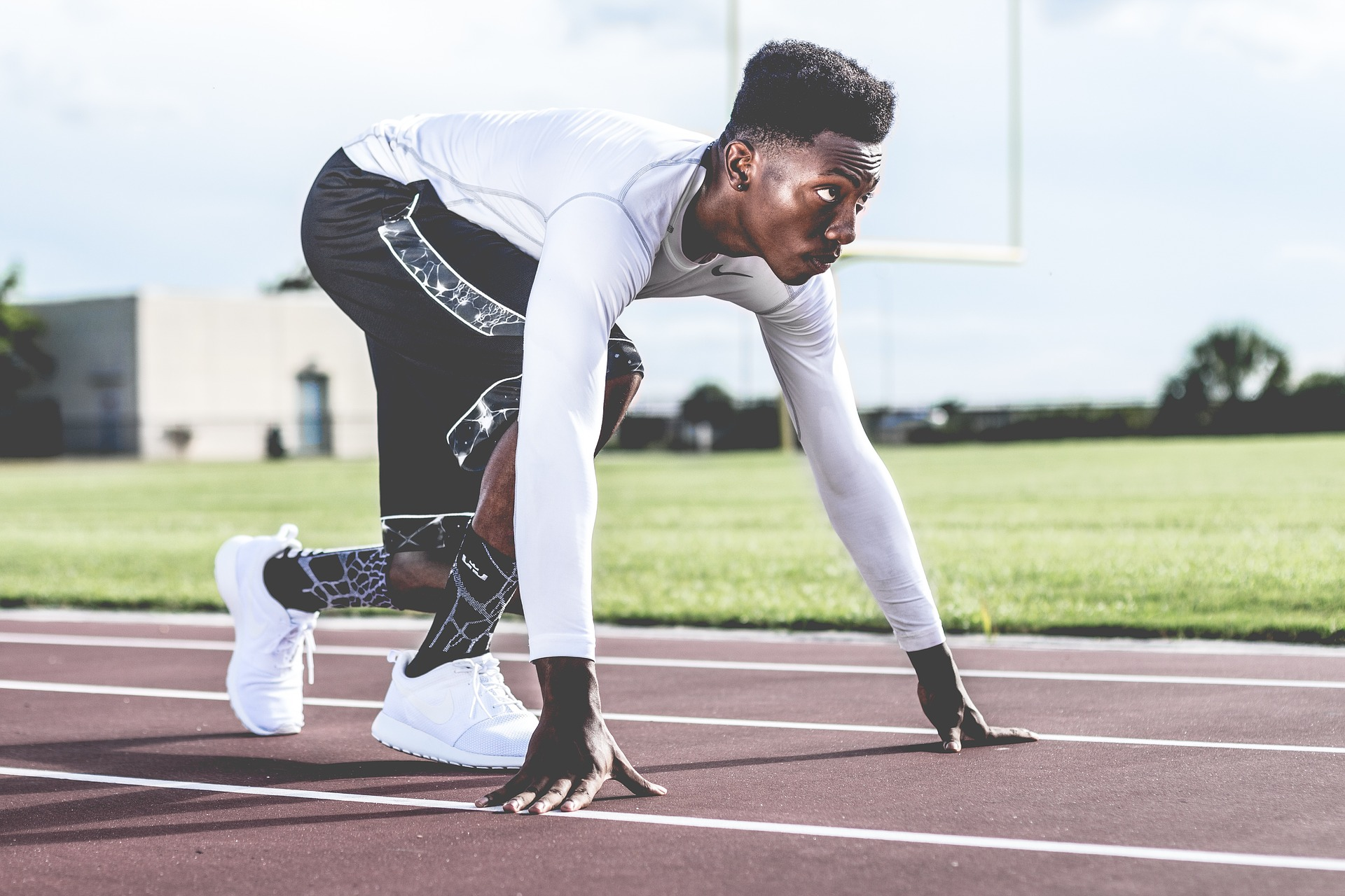 athlete getting ready to run